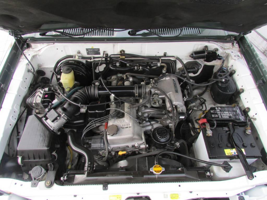 エンジンルームもGOODコンディション! | トヨタ ランドクルーザープラド 2.7 TX 4WD