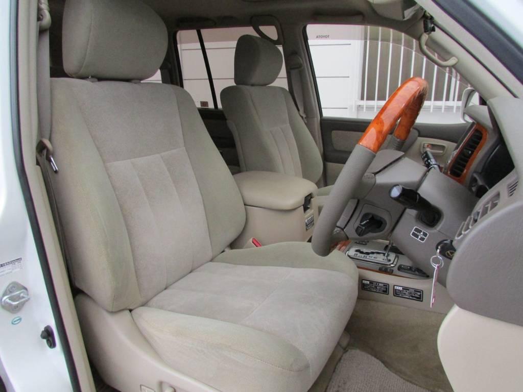 Gセレクション標準装備の電動パワーシート! | トヨタ ランドクルーザー100 4.7 VXリミテッド 4WD Gセレクション
