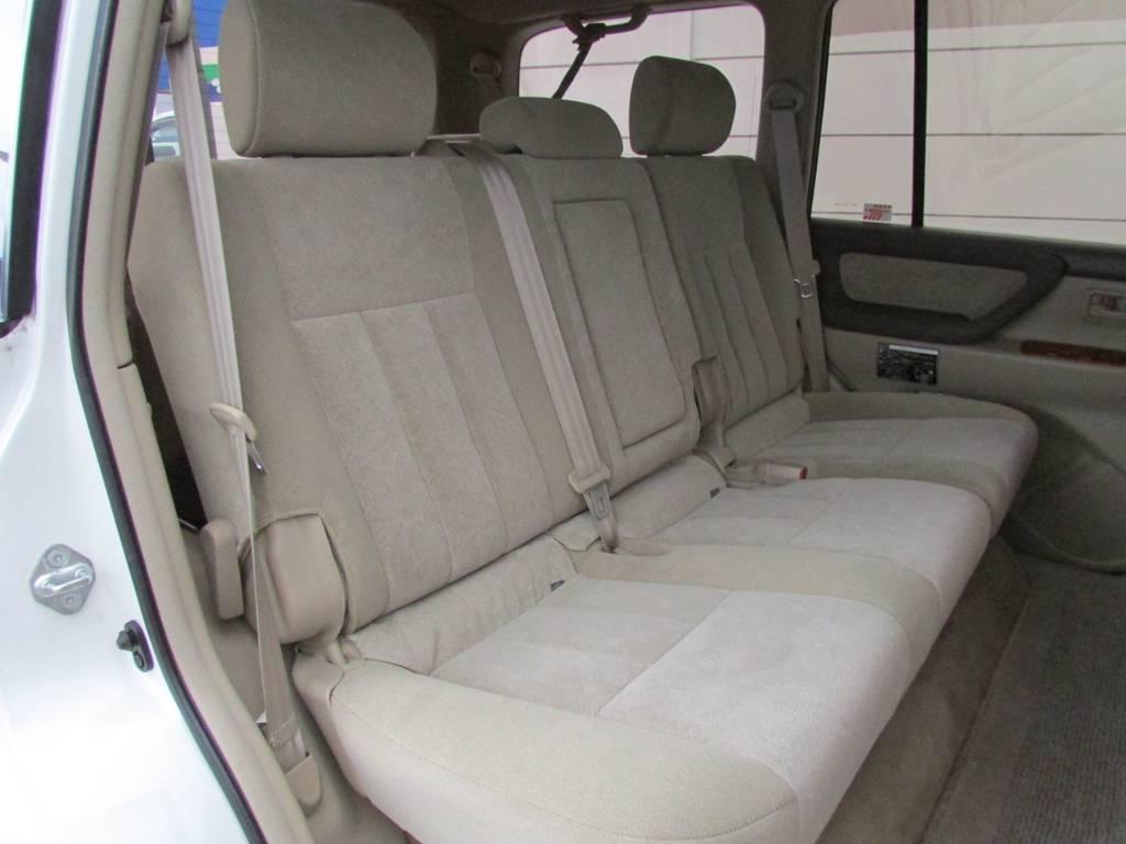 セカンドシートもGOODコンデション! | トヨタ ランドクルーザー100 4.7 VXリミテッド 4WD Gセレクション