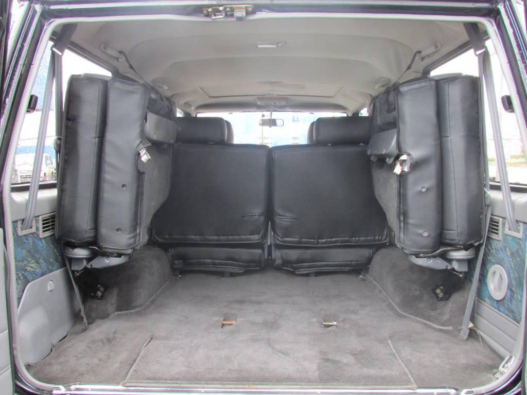 荷室も広々しておりますのでキャンプなどのアウトドアでも大活躍です! | トヨタ ランドクルーザープラド 3.0 SXワイド ディーゼルターボ 4WD