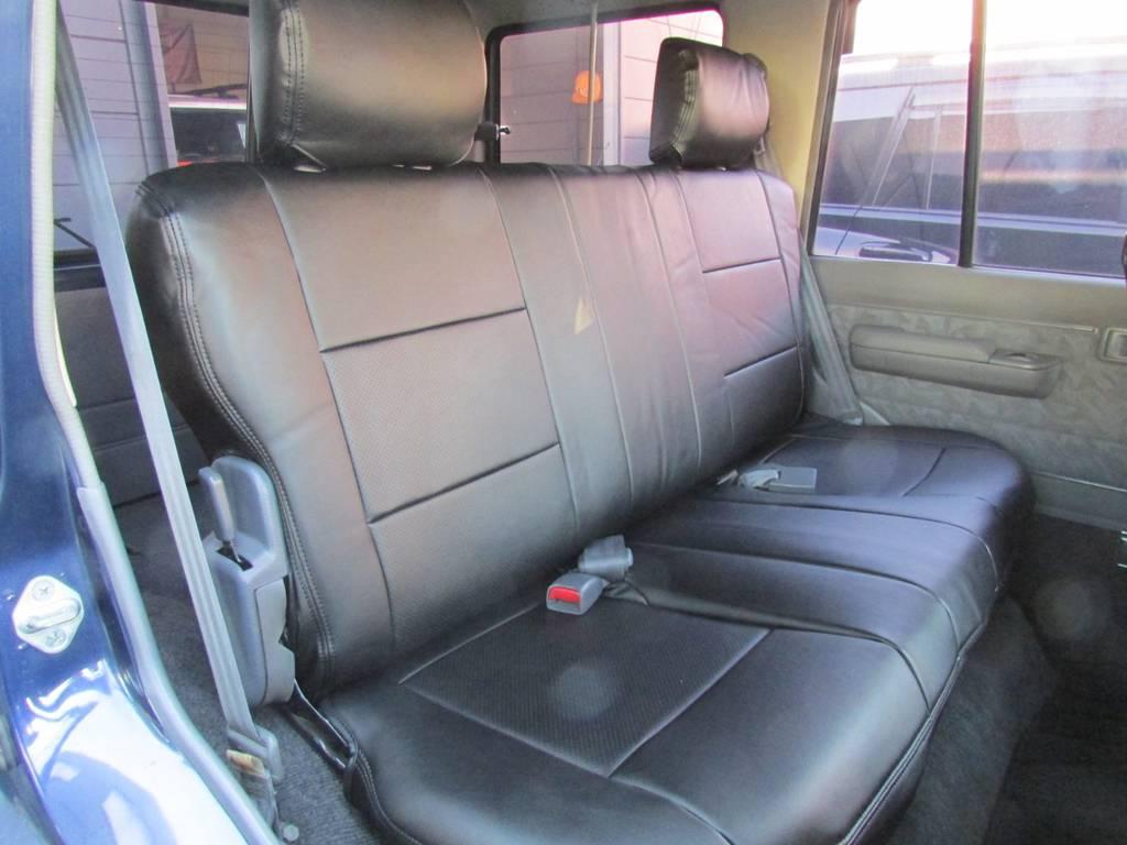 セカンドシートもGOODコンディション! | トヨタ ランドクルーザー70 4.2 ZX ディーゼル 4WD