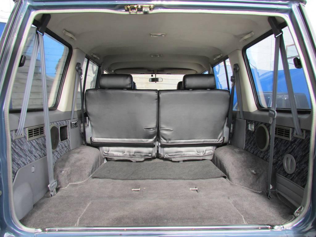 荷室のスペースも広々しておりますのでアウトドアでも大活躍! | トヨタ ランドクルーザープラド 3.0 SXワイド ディーゼルターボ 4WD リフトアップ
