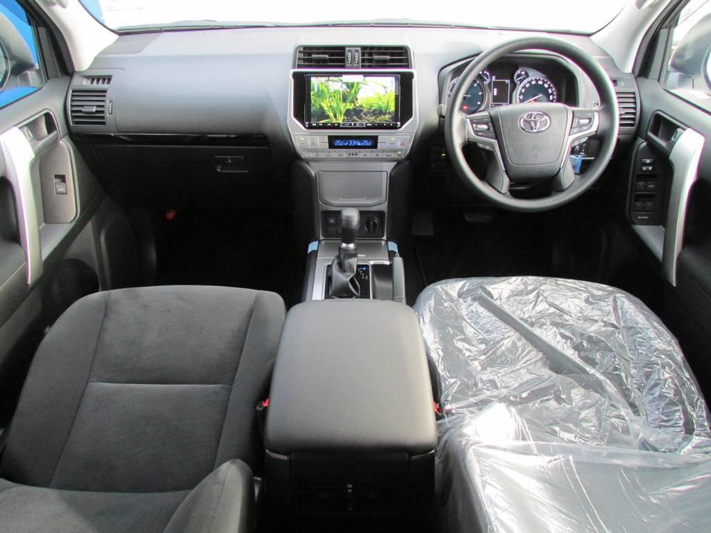高級感ある内装! | トヨタ ランドクルーザープラド 2.8 TX ディーゼルターボ 4WD 新車コンプリート