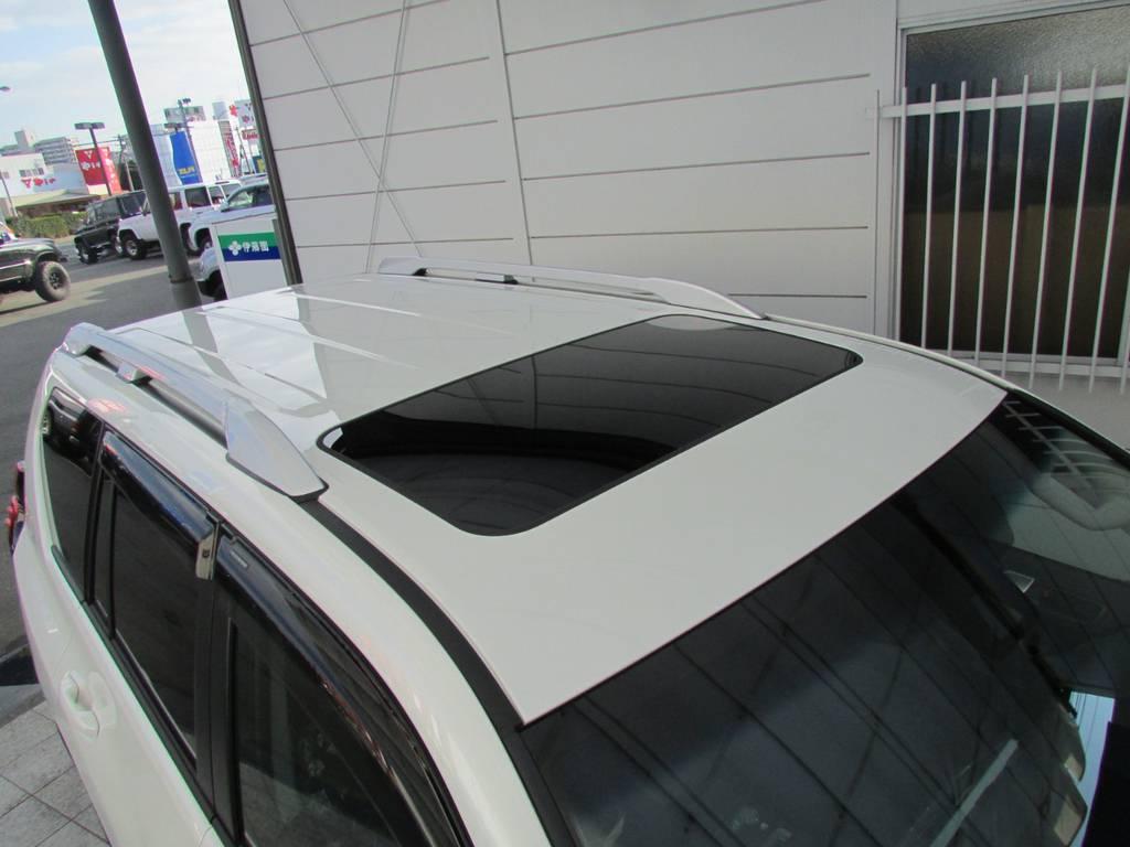 オプションのルーフレールも装備! | トヨタ ランドクルーザープラド 2.8 TX ディーゼルターボ 4WD 新車コンプリート
