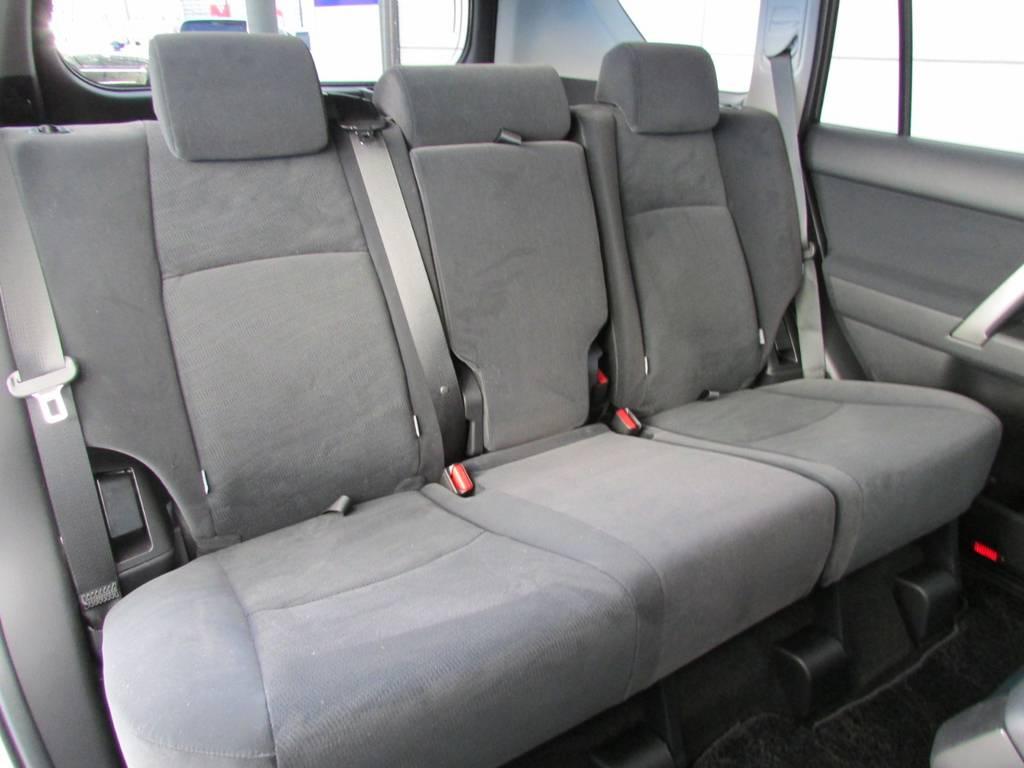 セカンドシートはまだ誰も座っておりません! | トヨタ ランドクルーザープラド 2.8 TX ディーゼルターボ 4WD 新車コンプリート