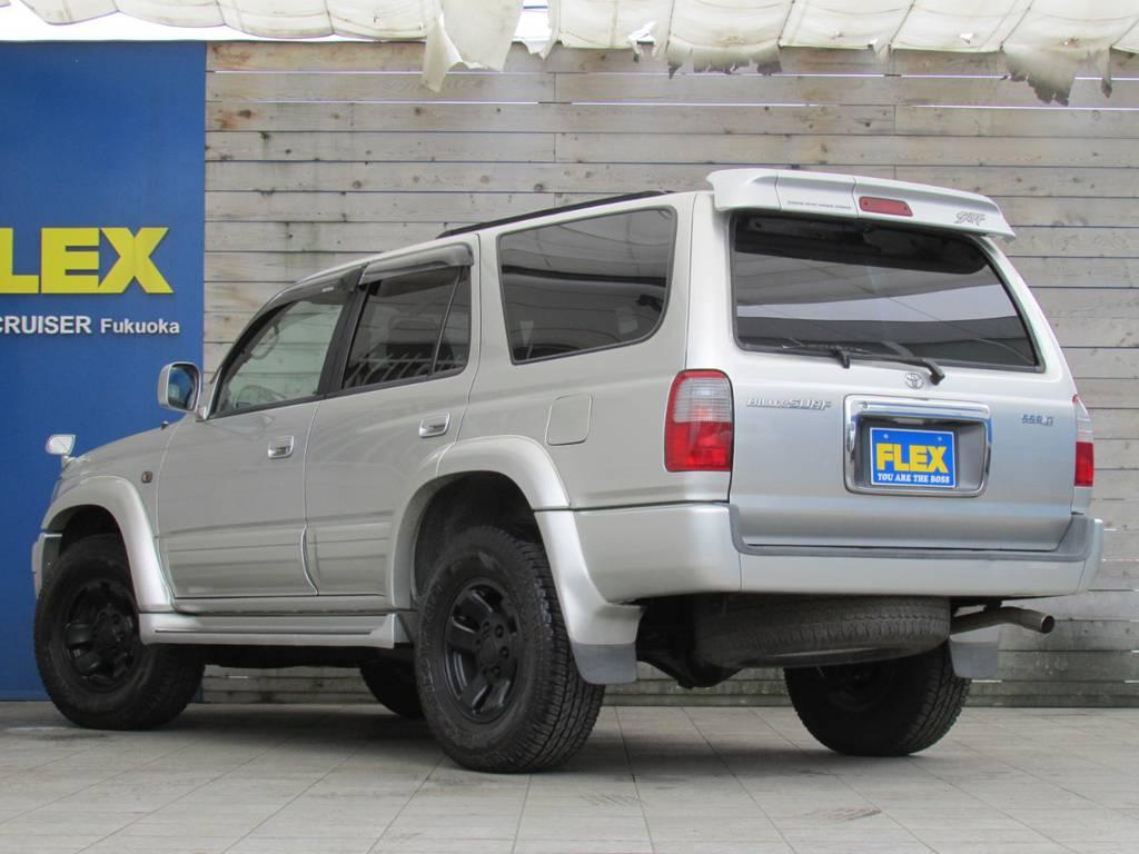 背面タイヤレスでリアビューもスッキリ! | トヨタ ハイラックスサーフ 2.7 SSR-G 4WD サンルーフ