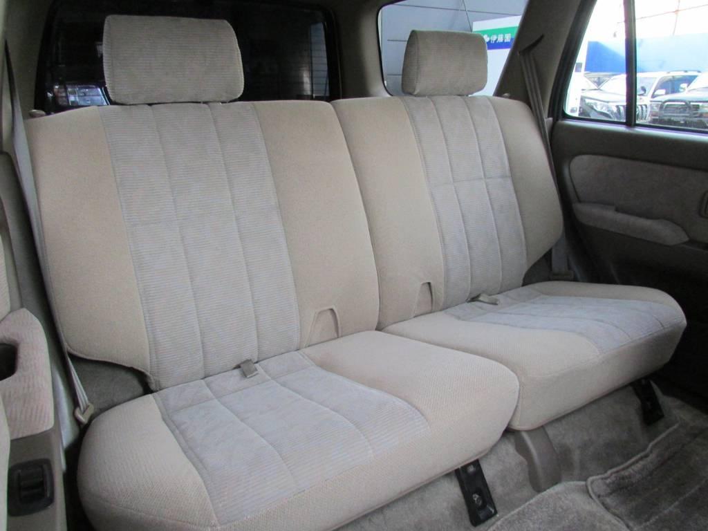 セカンドシートの格納も可能です! | トヨタ ハイラックスサーフ 2.7 SSR-G 4WD サンルーフ