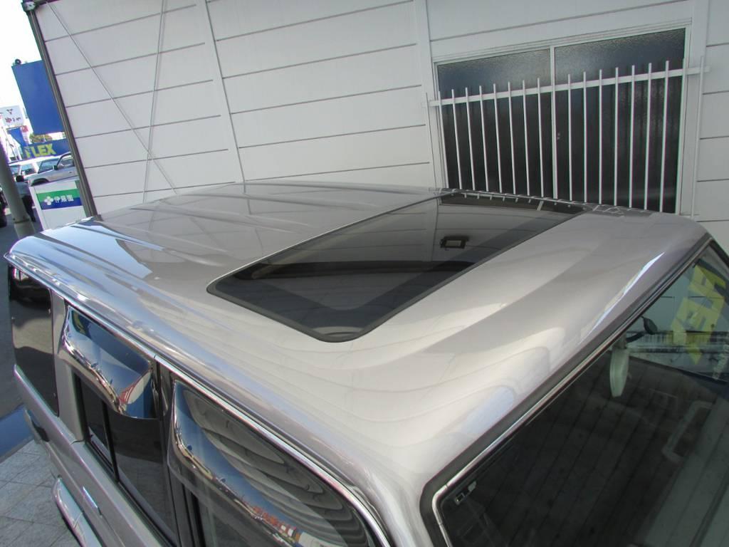 屋根とボンネットは同色にニューペイントしました♪ | トヨタ ランドクルーザー70 4.2 ZX ディーゼル 4WD リフトアップ