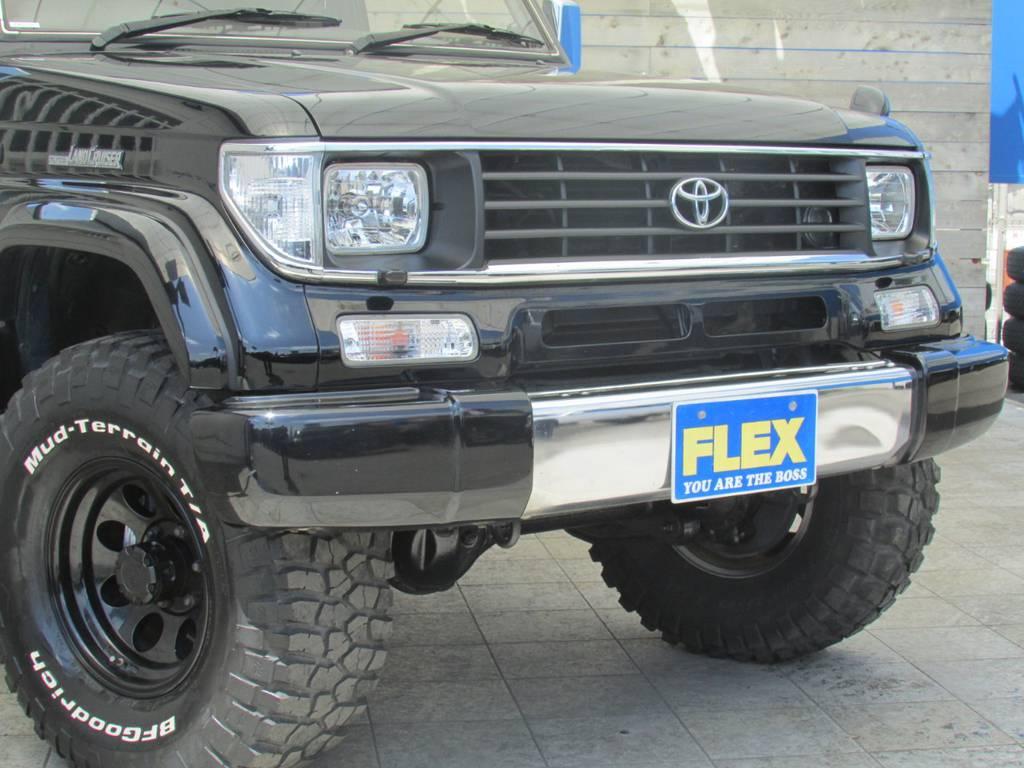 フロントフェイスもカスタムパーツを多数インストール! | トヨタ ランドクルーザープラド 3.0 EXワイド ディーゼルターボ 4WD フルカスタム