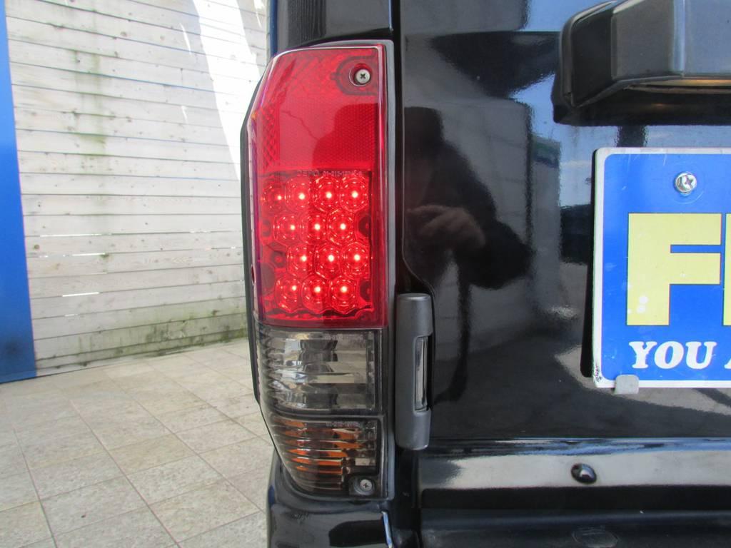 LEDスモークテールもインストール済み! | トヨタ ランドクルーザープラド 3.0 EXワイド ディーゼルターボ 4WD フルカスタム
