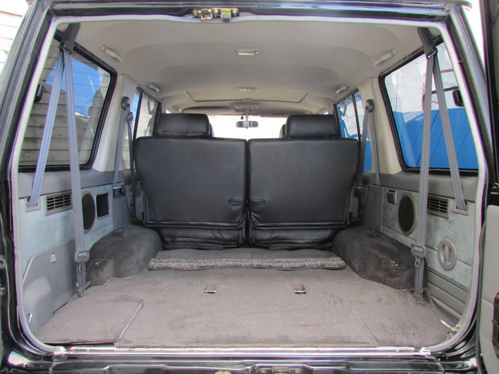 荷室も広々しておりますのでキャンプなどのアウトドアでも大活躍です! | トヨタ ランドクルーザープラド 3.0 EXワイド ディーゼルターボ 4WD フルカスタム