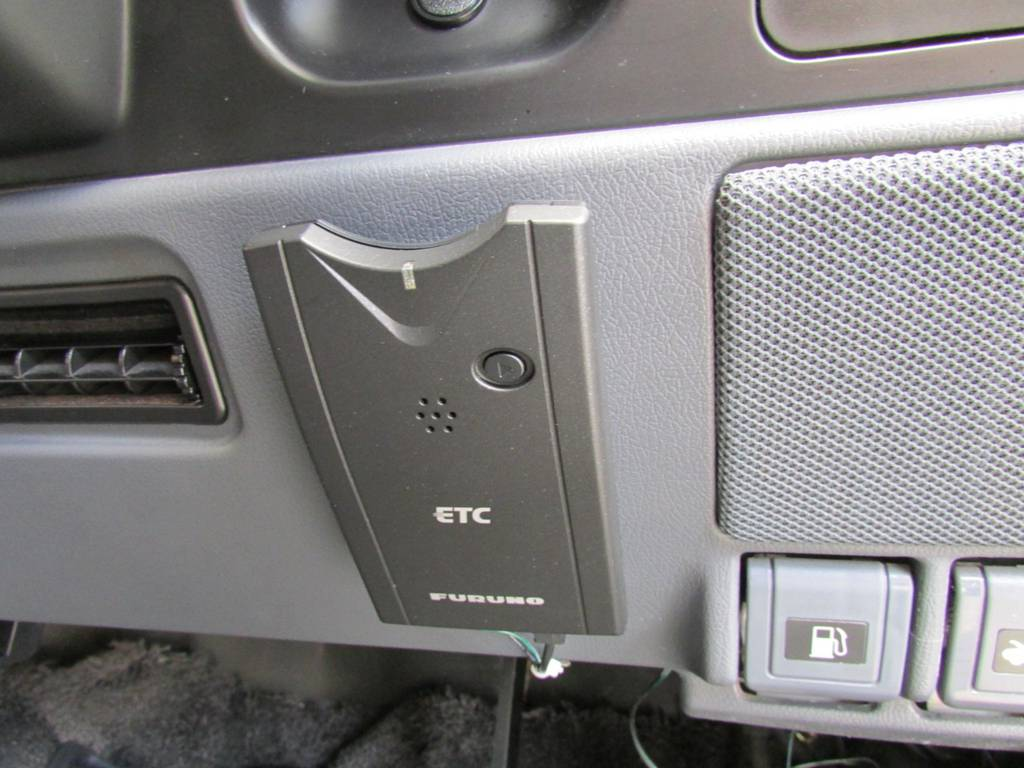 ETCもインストール済み! | トヨタ ランドクルーザー80 4.5 VXリミテッド 4WD LC60フェイス換装