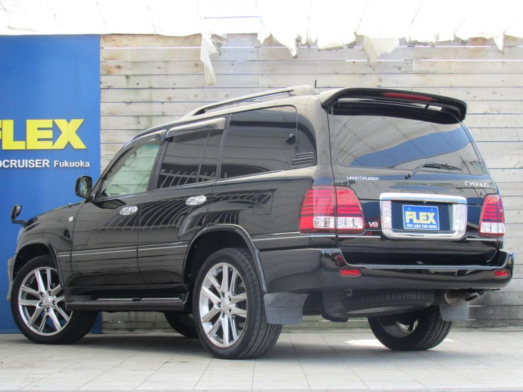リアビューもカッコ良く仕上がっております! | トヨタ ランドクルーザーシグナス 4.7 4WD プレミアムエディション
