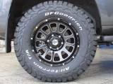 新品デルターフォース17インチAWに新品BFグッドリッチATタイヤの組み合わせ!
