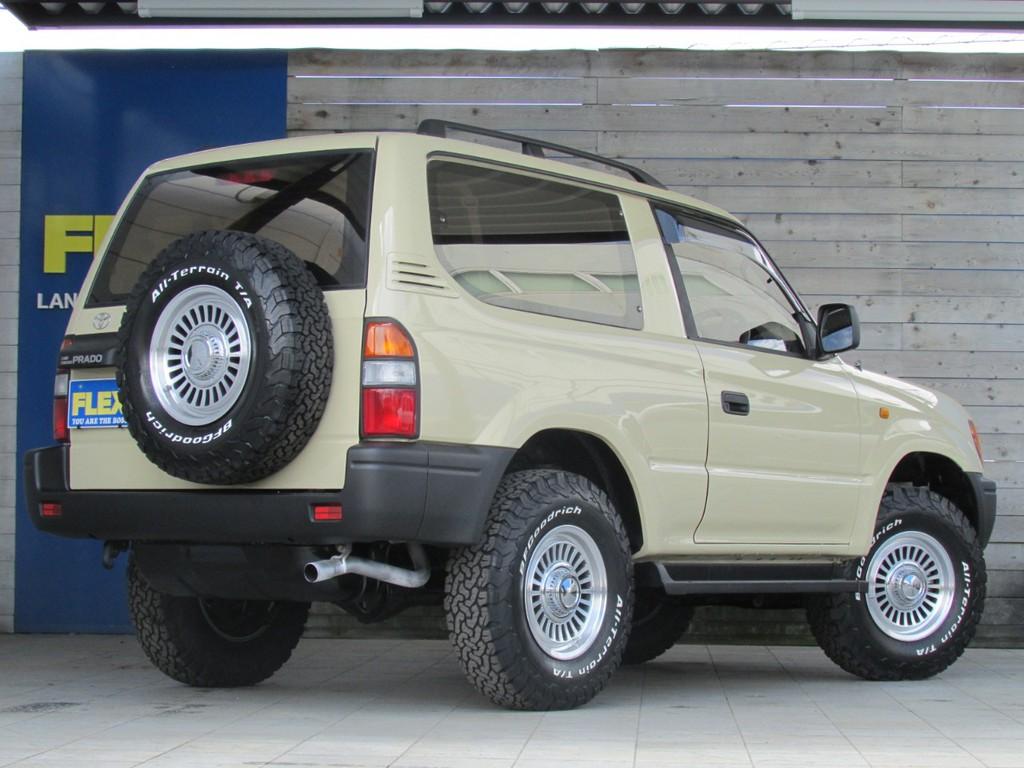 背面タイヤも足元と統一でカッコイイです!