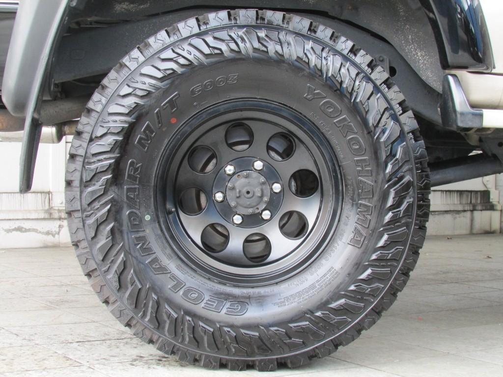 ミッキートンプソン16インチAWにジオランダーMTタイヤの組み合わせ!