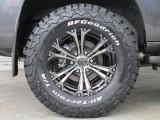新品ナイトロパワージャベリン17インチアルミホイールに新品BFグッドリッチATタイヤの組み合わせ!