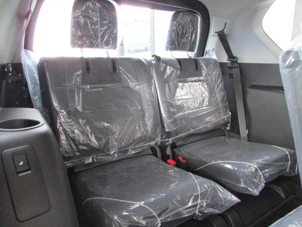 サードシートも電動です!