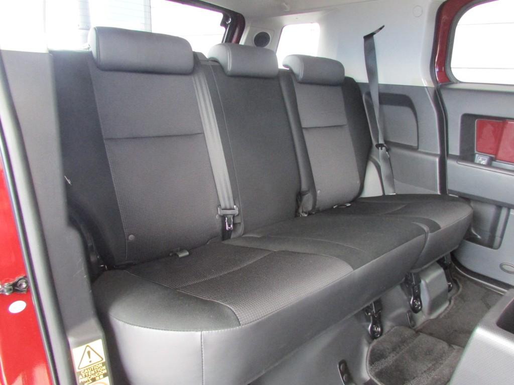 セカンドシートは床下収納が可能ですのでラゲージスペースとしてもご利用頂けます!