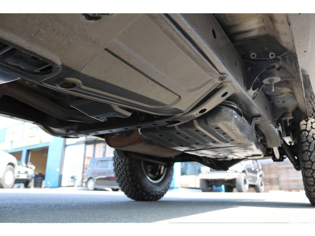 堅牢なラダーフレーム車!センターデフロック機構パートタイム4WDで、本格派な車両です! | トヨタ ハイラックスサーフ 2.7 SSR-X Vセレクション 4WD
