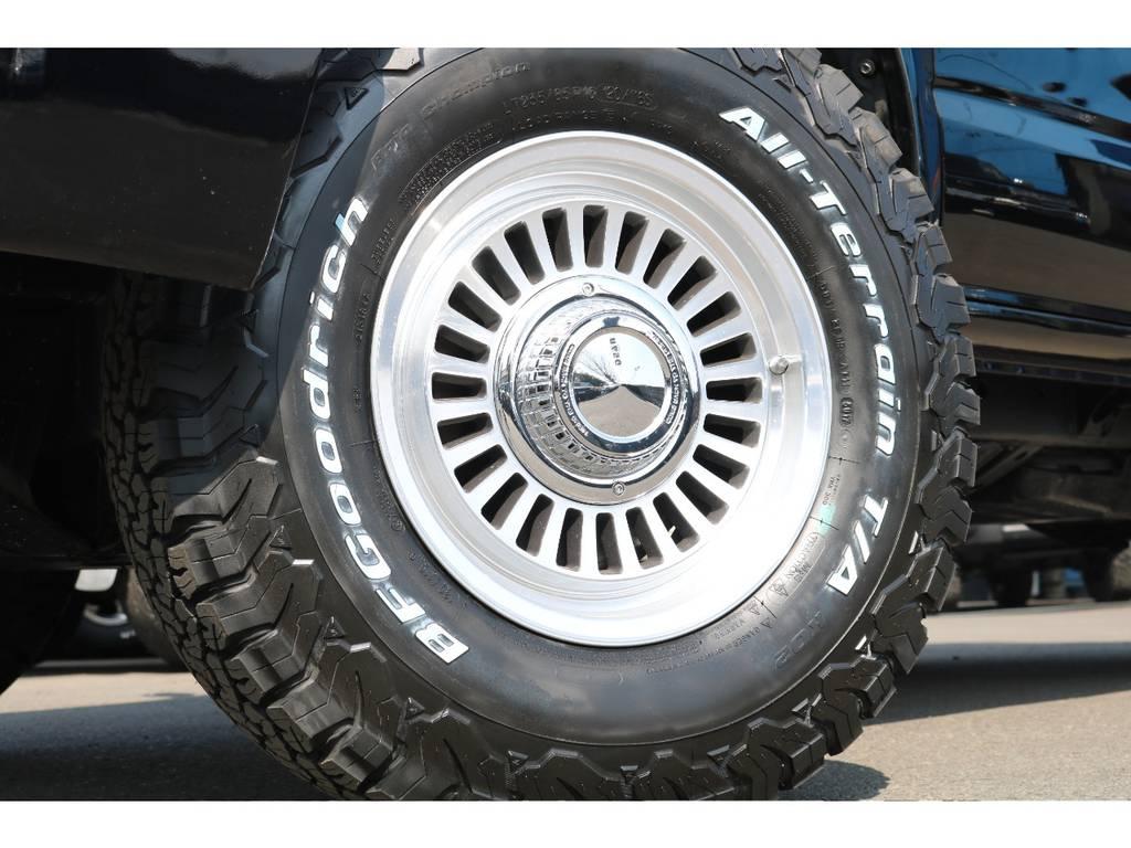 足元にはDEANカリフォルニア16インチAWに、BFグッドリッチ235ATタイヤを組み合わせました! | トヨタ ハイラックスサーフ 2.7 SSR-X Vセレクション 4WD