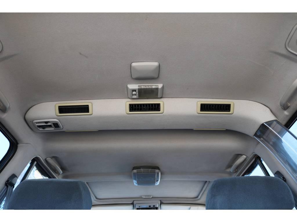 室内高もありますので、窮屈な圧迫感を感じずにお乗り頂けますよ! | トヨタ ランドクルーザー80 4.5 VXリミテッド 4WD