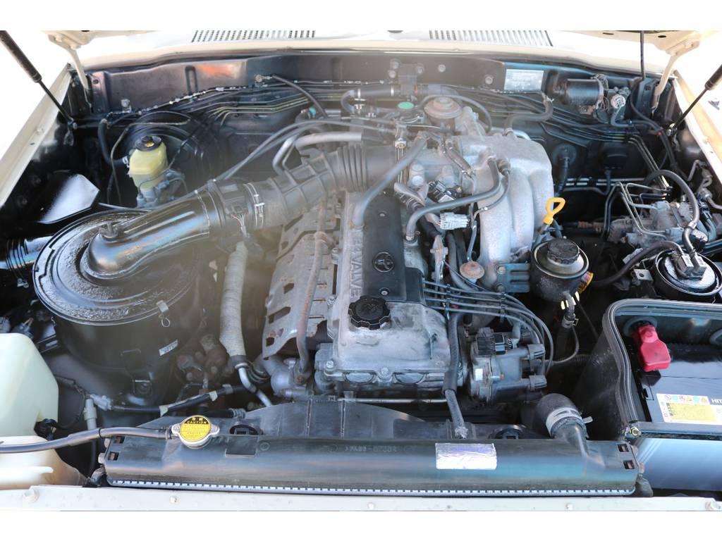 レスポンスの良い走り、耐久性に定評のある1FZエンジン!タイミングチェーン式ですので、交換は不要な点も嬉しいですね! | トヨタ ランドクルーザー80 4.5 VXリミテッド 4WD