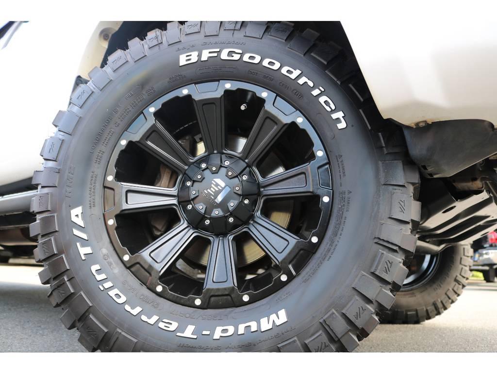 新品LEXXELデスロック17インチAWに、BFグッドリッチ285MTタイヤの組合せ!カッコいいですね! | トヨタ ハイラックスサーフ 2.7 SSR-X リミテッド 4WD