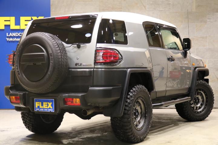 純正SDナビ&バックカメラ&ETC車載器!純正オプション:リアワイパー、寒冷地仕様、A-TRAC、クルーズコントロール、、フロアマット、サイドバイザー、クリーンBOX! | トヨタ FJクルーザー 4.0 カラーパッケージ 4WD