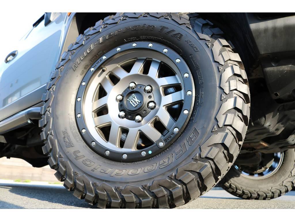 新品KMC17インチAWにBFグッドリッチ新作のKM3をインストール! | トヨタ FJクルーザー 4.0 カラーパッケージ 4WD
