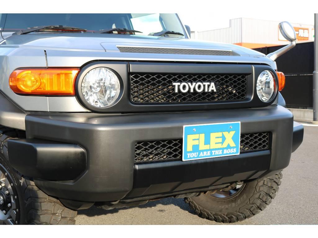 トレイル仕様(ブラックアウターパーツ)にする事により全体的な統一感あるカスタムになります! | トヨタ FJクルーザー 4.0 カラーパッケージ 4WD