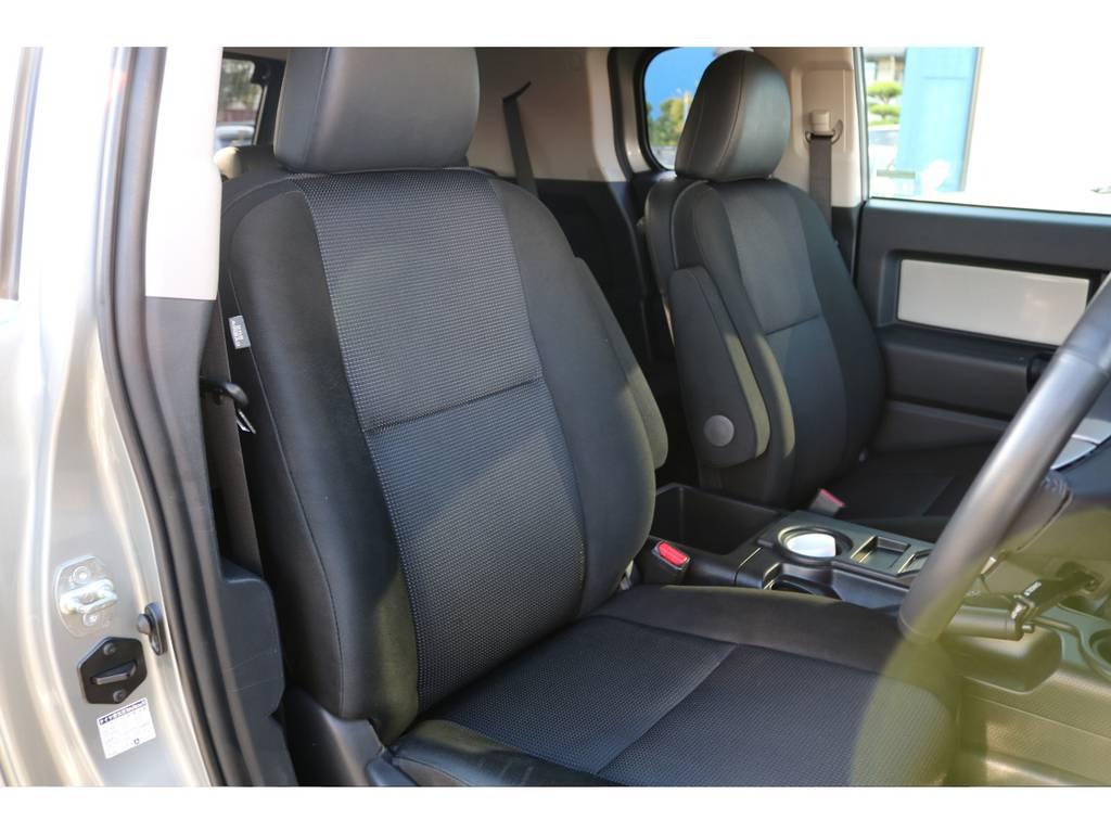 撥水性のファブリックシート、ご覧の通り綺麗な状態です! | トヨタ FJクルーザー 4.0 カラーパッケージ 4WD