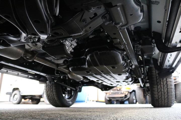 堅牢なラダーフレーム車!フルタイム4WDとの組み合わせの本格派です! | トヨタ ランドクルーザープラド 2.8 TX ディーゼルターボ 4WD 7人