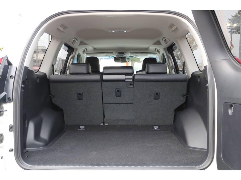 広大なラゲッジスペース!5人乗り車はより広いスペースとなります! | トヨタ ランドクルーザープラド 2.7 TX Lパッケージ 4WD 5人