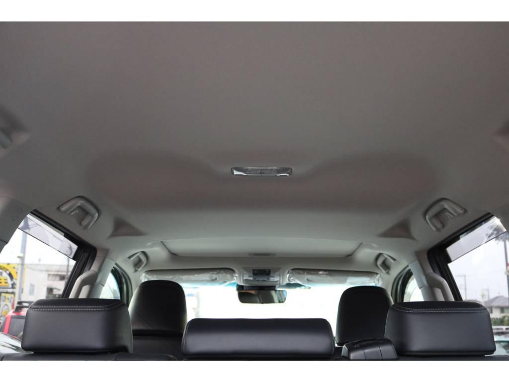 室内高もあり窮屈な印象はありません! | トヨタ ランドクルーザープラド 2.7 TX Lパッケージ 4WD 5人