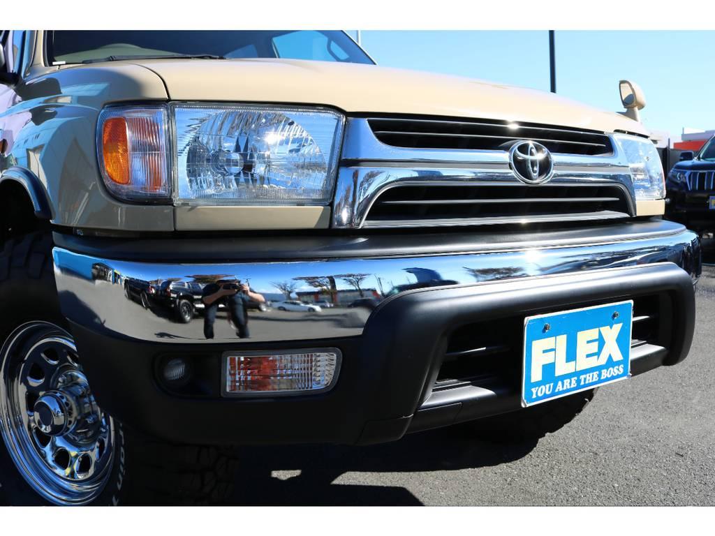 新品メッキバンパーに、ヘッドランプ&USコーナーレンズ!煌びやかな印象になりますね!   トヨタ ハイラックスサーフ 2.7 SSR-G 4WD