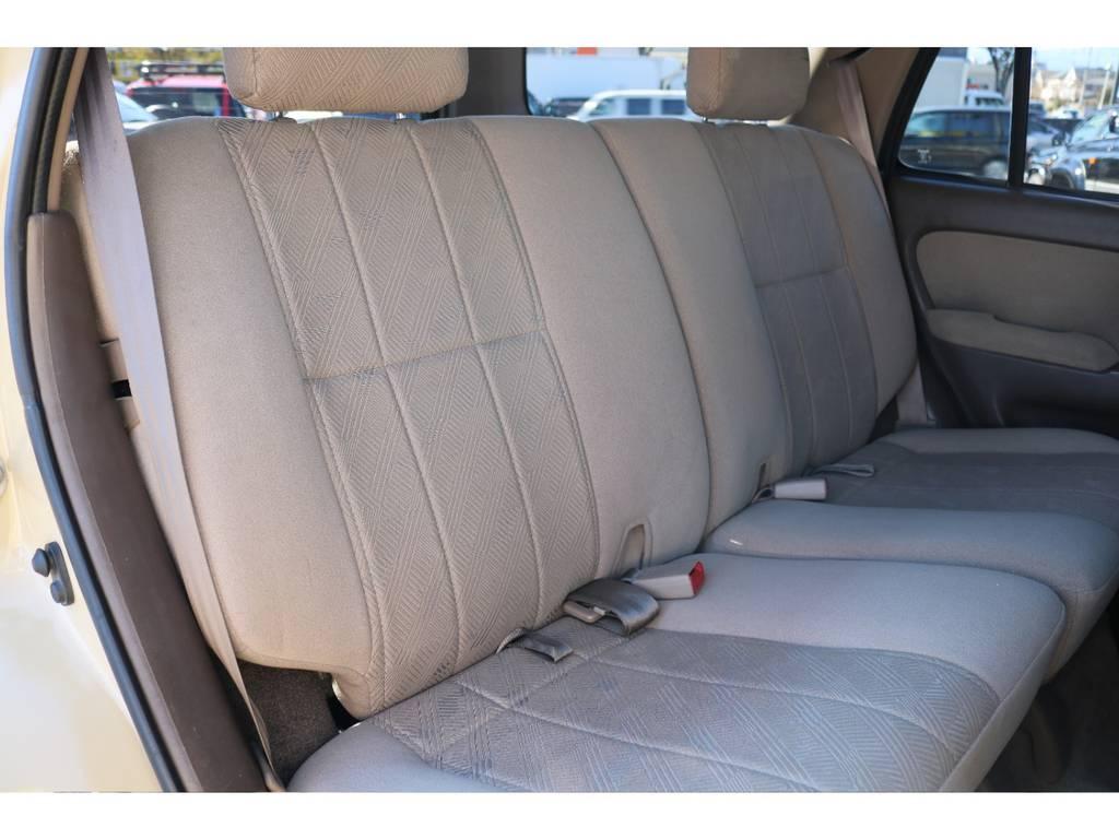 シートカバー等の追加カスタムもお任せください!   トヨタ ハイラックスサーフ 2.7 SSR-G 4WD