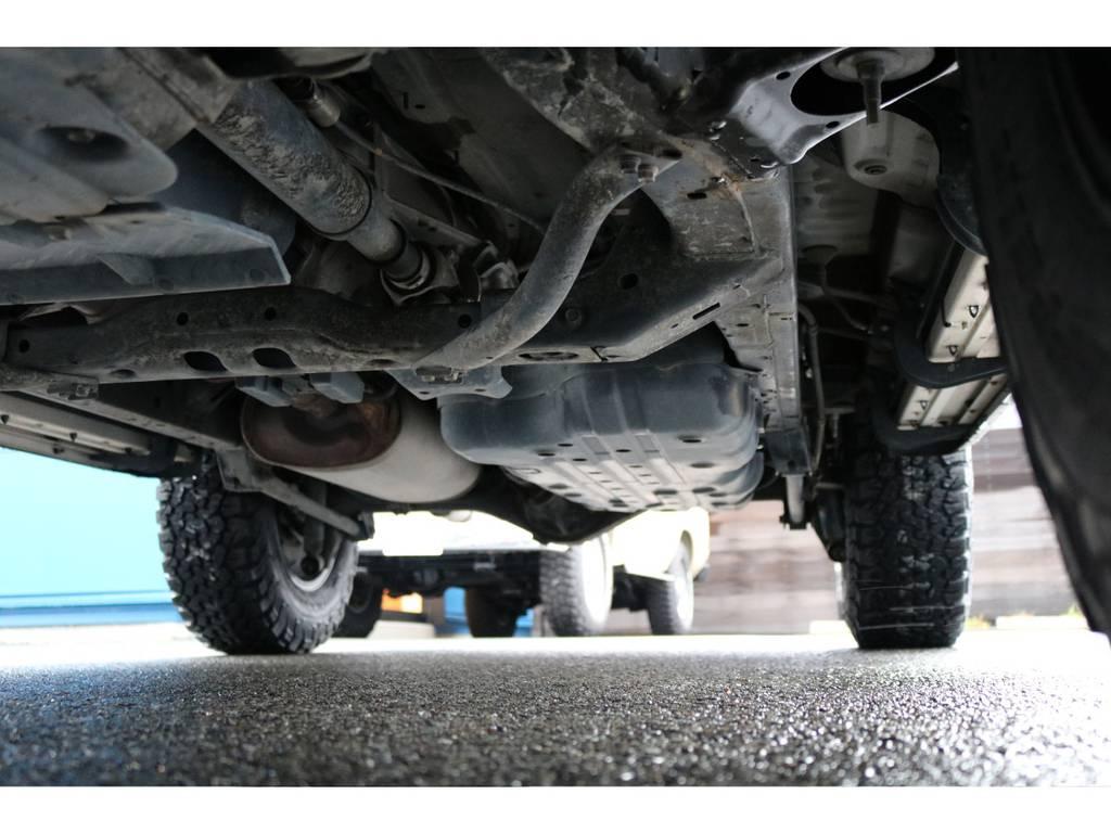 下廻りも劣悪な錆等無く綺麗な状態です! | トヨタ ハイラックスサーフ 2.7 SSR-X 4WD