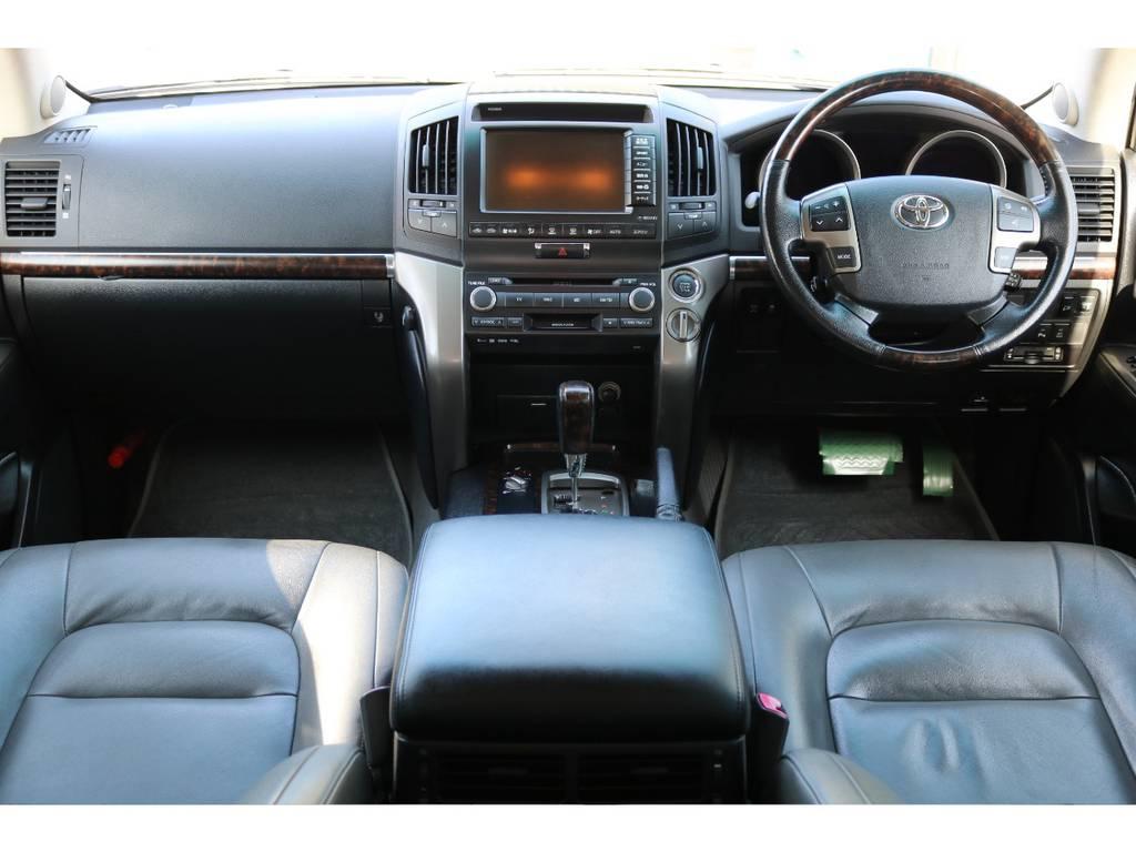 本革パワーシート!ウッドコンビステア&シフトが高級感のあるインテリアに! | トヨタ ランドクルーザー200 4.7 AX Gセレクション 4WD