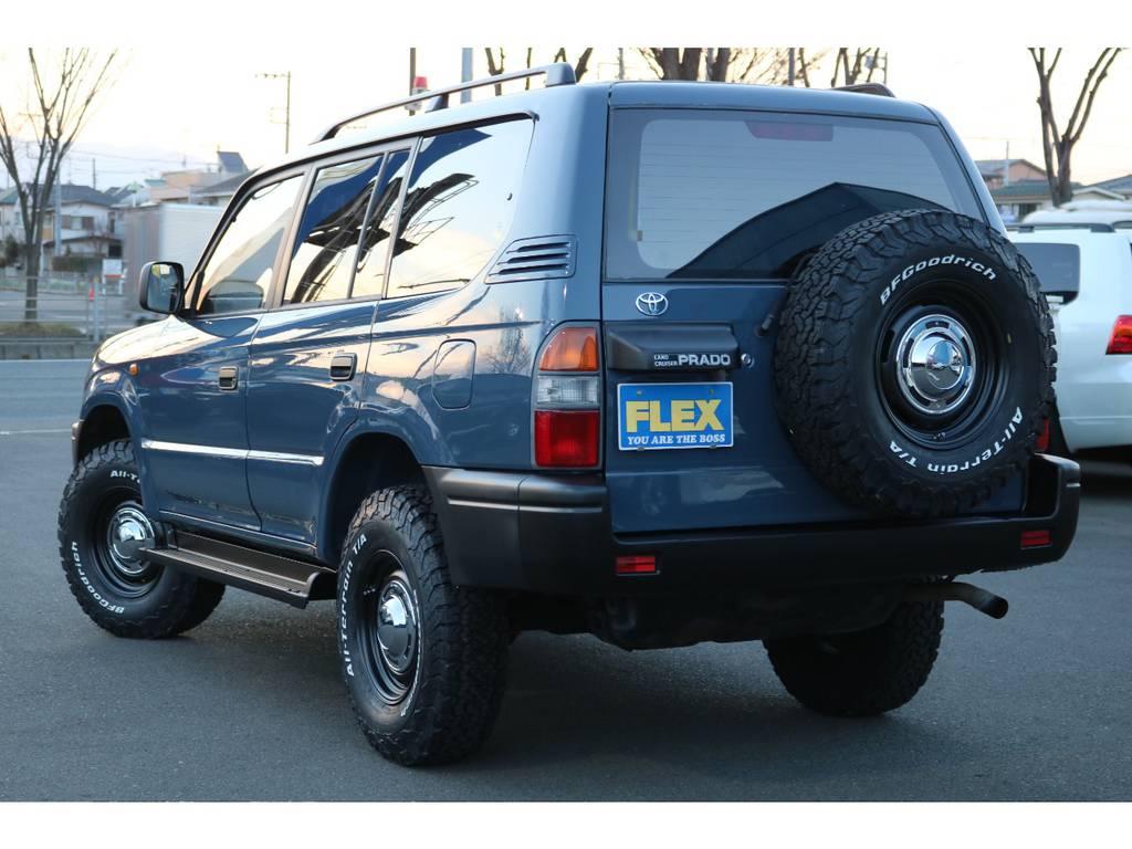 背面タイヤまで交換済みで、全体な統一感もUP!ワイルドなリアビューですね! | トヨタ ランドクルーザープラド 2.7 TX リミテッド 4WD