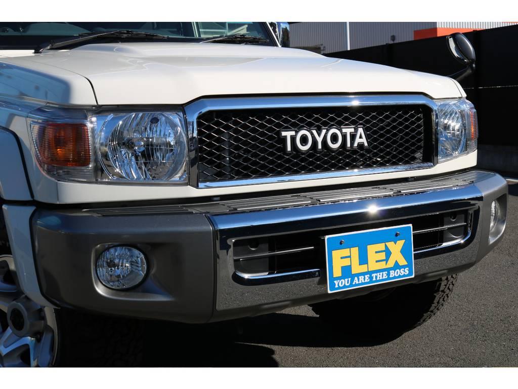 オプションのTOYOTA横文字グリルが装着済! | トヨタ ランドクルーザー70 4.0 4WD