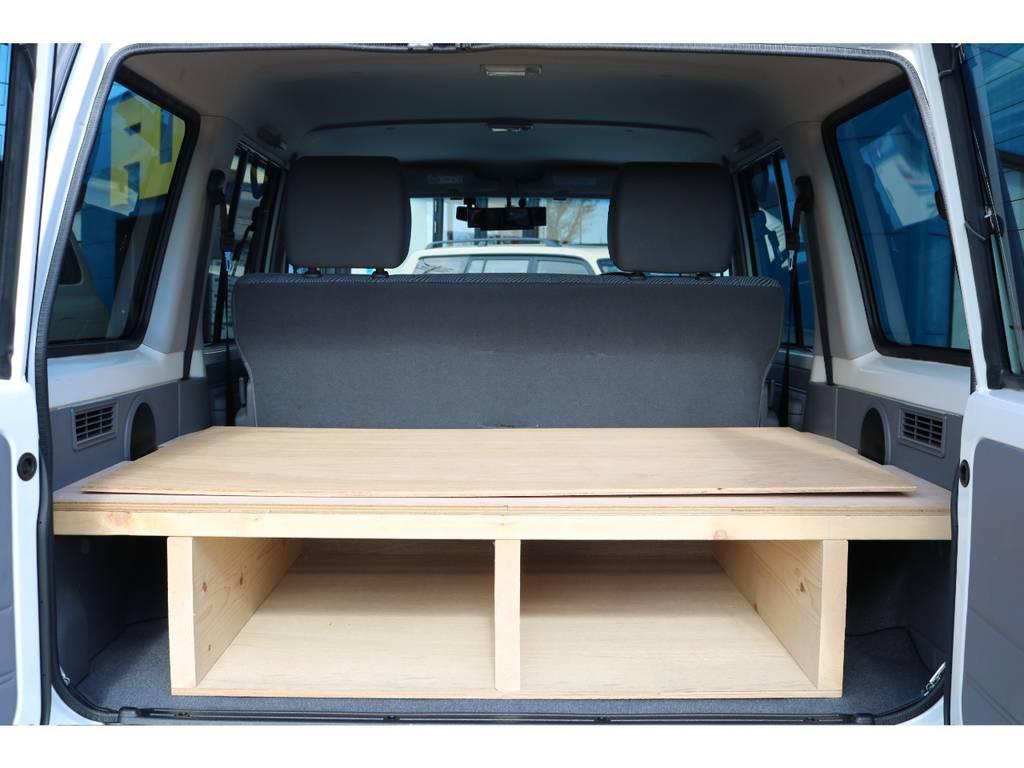 ラゲッジルームもご覧の通り広々としております! | トヨタ ランドクルーザー70 4.0 4WD