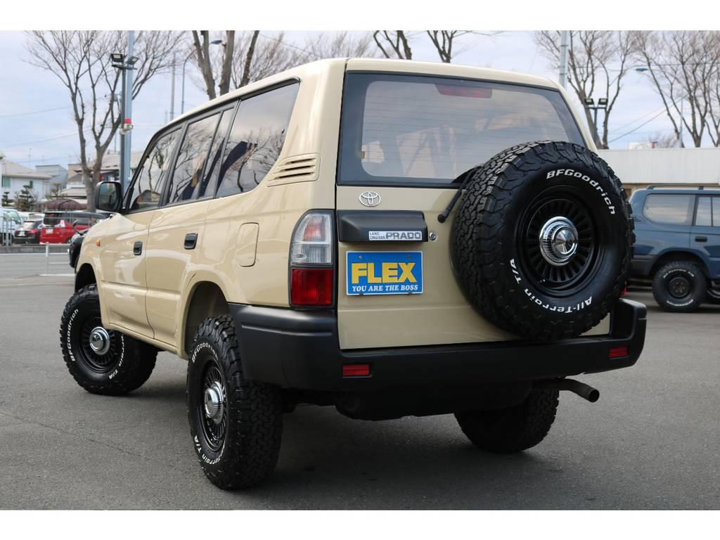 ワイルドなリアビュー!人気のベージュカラーです! | トヨタ ランドクルーザープラド 2.7 TX 4WD TX