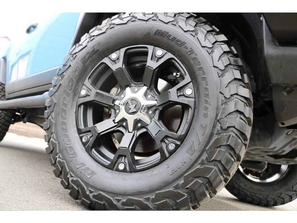 NITRO-POWER17インチAWに、BFグッドリッチ285MTタイヤの組合せです!   トヨタ FJクルーザー 4.0 カラーパッケージ 4WD カラーパッケージ