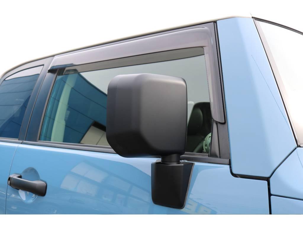 オプションのサイドバイザー装備済み!雨の日でも換気が出来ます!   トヨタ FJクルーザー 4.0 カラーパッケージ 4WD カラーパッケージ