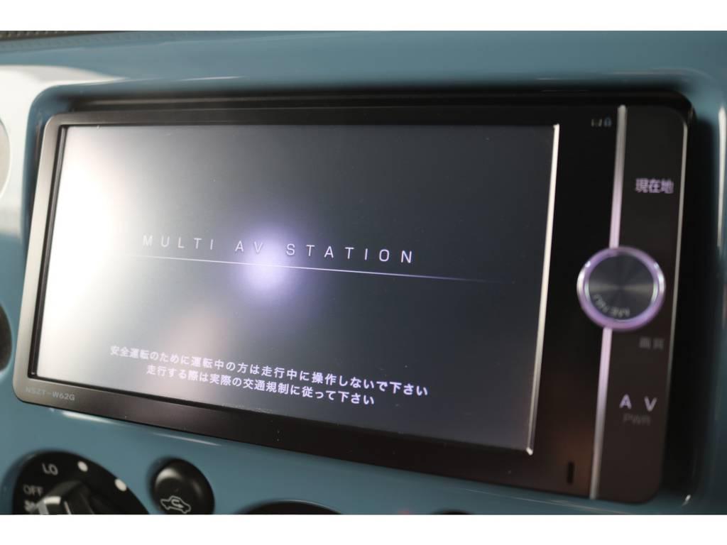 純正SDメモリーナビ装備!あると嬉しい一品ですね!   トヨタ FJクルーザー 4.0 カラーパッケージ 4WD カラーパッケージ