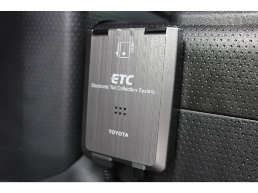 ETC車載器も完備しており、高速道路も楽々通行出来ますよ!   トヨタ FJクルーザー 4.0 カラーパッケージ 4WD カラーパッケージ