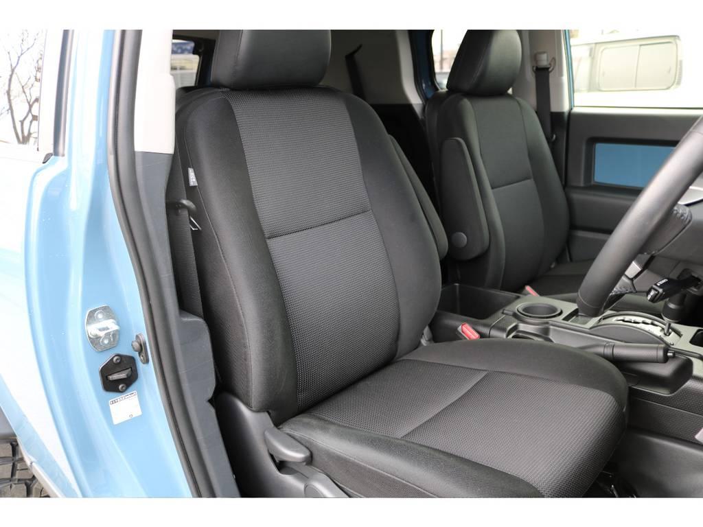 シートのコンディションも文句無し!へたりやダメージも少なく、気持ち良くお乗り頂けます!   トヨタ FJクルーザー 4.0 カラーパッケージ 4WD カラーパッケージ