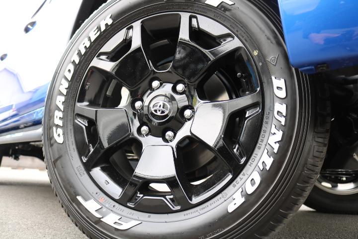 専用18インチAW&タイヤ!こちらも特別仕様車としての所有感を感じさせます! | トヨタ ハイラックス 2.4 Z ディーゼルターボ 4WD Z Black Rally Edit