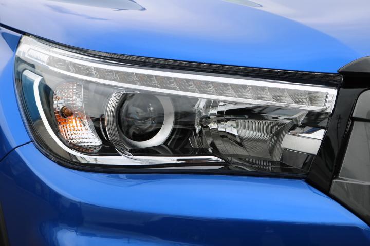 実用性と見た目を両立している、LEDヘッドランプ! | トヨタ ハイラックス 2.4 Z ディーゼルターボ 4WD Z Black Rally Edit
